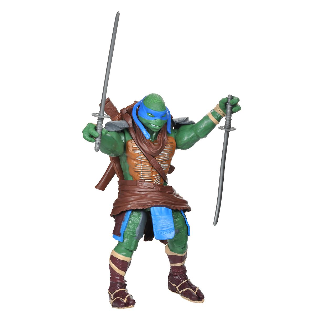 Фигурка Turtles Леонардо, 28 см. 91555_9155691556Большая фигурка Turtles Леонардо станет прекрасным подарком для вашего ребенка. Она выполнена из прочного пластика в виде персонажа команды TMNT - Черепашки-Ниндзя Леонардо в боевом снаряжении. Голова, руки и ноги фигурки подвижны, что позволит придавать Леонардо различные позы. В комплект входит его оружие - два меча, к каждому из которых прилагаются ножны. Ваш ребенок будет часами играть с этой фигуркой, придумывая различные истории с участием любимого героя. Они подверглись мутации и обучались искусству ниндзюцу у великого сэнсэя Сплинтера. Черепашки-Ниндзя готовы выбраться из своего секретного убежища и спасти мир от сил зла! Черепашки-Ниндзя впервые появились на страницах комиксов в далеких 80-х. Черепашки перебрались на телевидение по воле студии Murakami-Wolf-Swenson (MWS) и продолжали радовать своих поклонников в течение десяти лет (1987-1996). 5 лет подряд были признаны сериалом №1. За это время было показано более 190 эпизодов, а озорные и веселые...