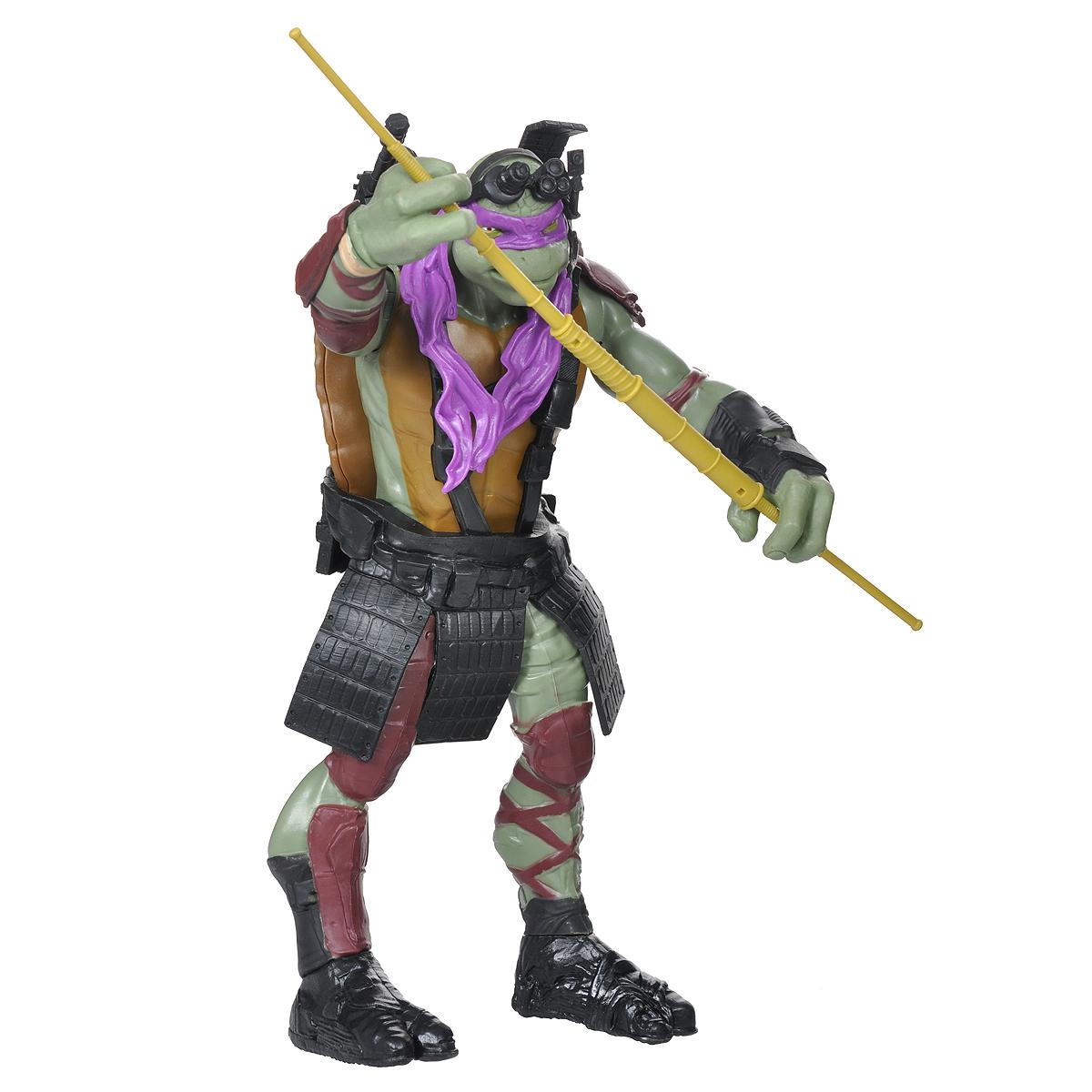 Фигурка Turtles Донателло, 28 см. 91555_9155791557Большая фигурка Turtles Донателло станет прекрасным подарком для вашего ребенка. Она выполнена из прочного пластика в виде персонажа команды TMNT - Черепашки-Ниндзя Донателло в боевом снаряжении. Голова, руки и ноги фигурки подвижны, что позволит придавать Донателло различные позы. В комплект входит его оружие - шест-бо. Ваш ребенок будет часами играть с этой фигуркой, придумывая различные истории с участием любимого героя. Они подверглись мутации и обучались искусству ниндзюцу у великого сэнсэя Сплинтера. Черепашки-Ниндзя готовы выбраться из своего секретного убежища и спасти мир от сил зла! Черепашки-Ниндзя впервые появились на страницах комиксов в далеких 80-х. Черепашки перебрались на телевидение по воле студии Murakami-Wolf-Swenson (MWS) и продолжали радовать своих поклонников в течение десяти лет (1987-1996). 5 лет подряд были признаны сериалом №1. За это время было показано более 190 эпизодов, а озорные и веселые герои успели покорить сердца фанатов по...