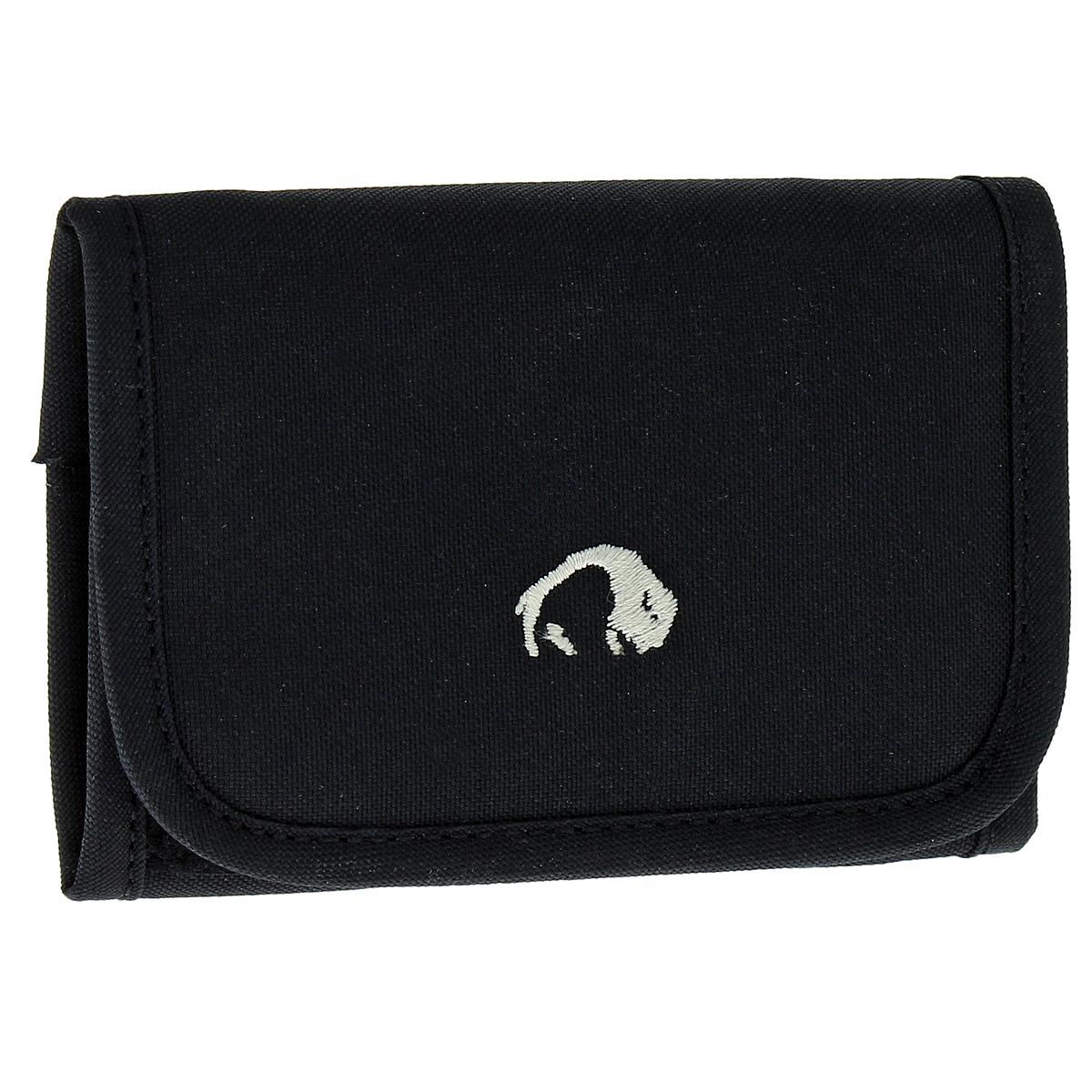 Кошелек Tatonka Folder, цвет: черный2878.040Компактный кошелек Tatonka Folder послужит вам своей надежностью и функциональностью. Кошелек закрывается на липучку. Внутри состоит из двух больших отделений для купюр (одно из них на застежке-молнии), внутреннего органайзера (3 отделения для кредитных карт, пластиковый блок из 6 отделений для кредитных карт и прозрачное пластиковое окошко) и небольшого кармашка на застежке-молнии для мелочи. Также имеются два потайных кармашка. К кошельку прикреплено пластиковое кольцо для ключей. Оригинальный кошелек - неотъемлемый атрибут любого, он является повседневным предметом пользования, и призван подчеркнуть стиль и вкус его обладателя.