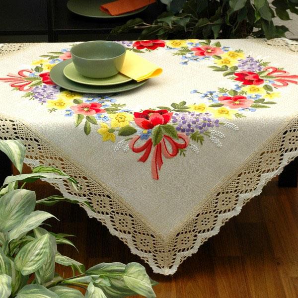Набор для вышивания скатерти Schaefer, гладь, 100 х 100 см 6655/3956655/395-100*100