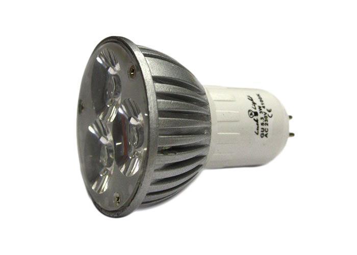 Светодиодная лампа Luck & Light, теплый свет, цоколь GU5,3, 3WLS3W-WСветодиодная лампа Luck & Light инновационный и экологичный продукт, специально разработанный для эффективной замены любых видов галогенных или обыкновенных ламп накаливания во всех типах осветительных приборов. Характеристики: Материал: стекло, металл. Напряжение: 220 В. Размеры лампы: 6 см х 5 см х 5 см. Размеры упаковки: 5,5 х 6,5 х 5,5 см.