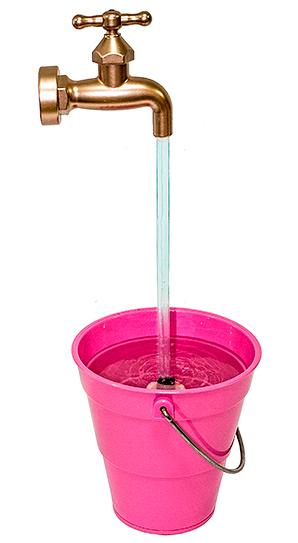 Светильник-релаксант Магический фонтан, цвет: розовый. 9546695466Релаксант Магический фонтан, выполнен в виде ведерка и крана со струей воды, оснащен комнатным мини-фонтаном. Его тихое журчание помогут вам успокоиться, расслабиться после тяжелого дня, создадут романтическую атмосферу. Чтобы привести фонтан в работу необходимо залить в ведерко чистую воду и включить в розетку. Насос пустит по трубке воду, создавая впечатление, что вода струится из крана. Для полноты иллюзии прислоните кран к стене так, будто он выходит из нее.