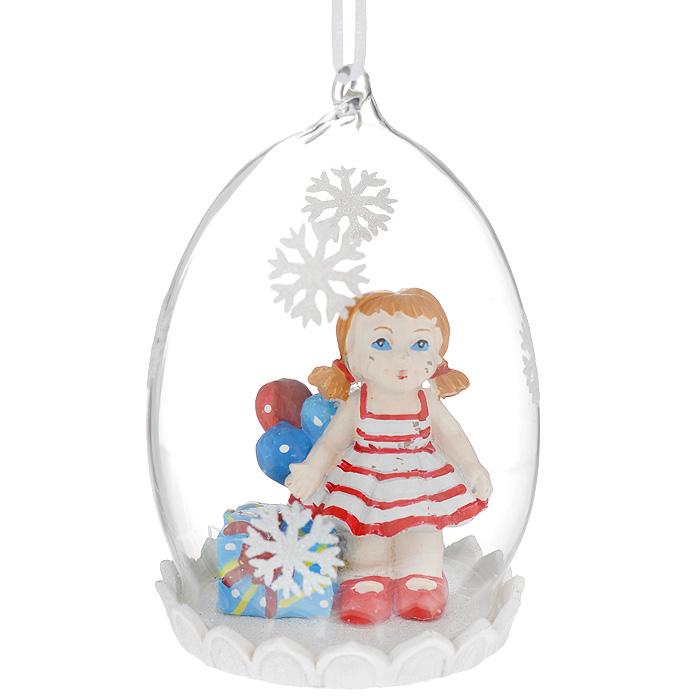 Новогоднее подвесное украшение Кукла. 3440234402Оригинальное новогоднее украшение из пластика прекрасно подойдет для праздничного декора дома и новогодней ели. Изделие крепится на елку с помощью металлического зажима.
