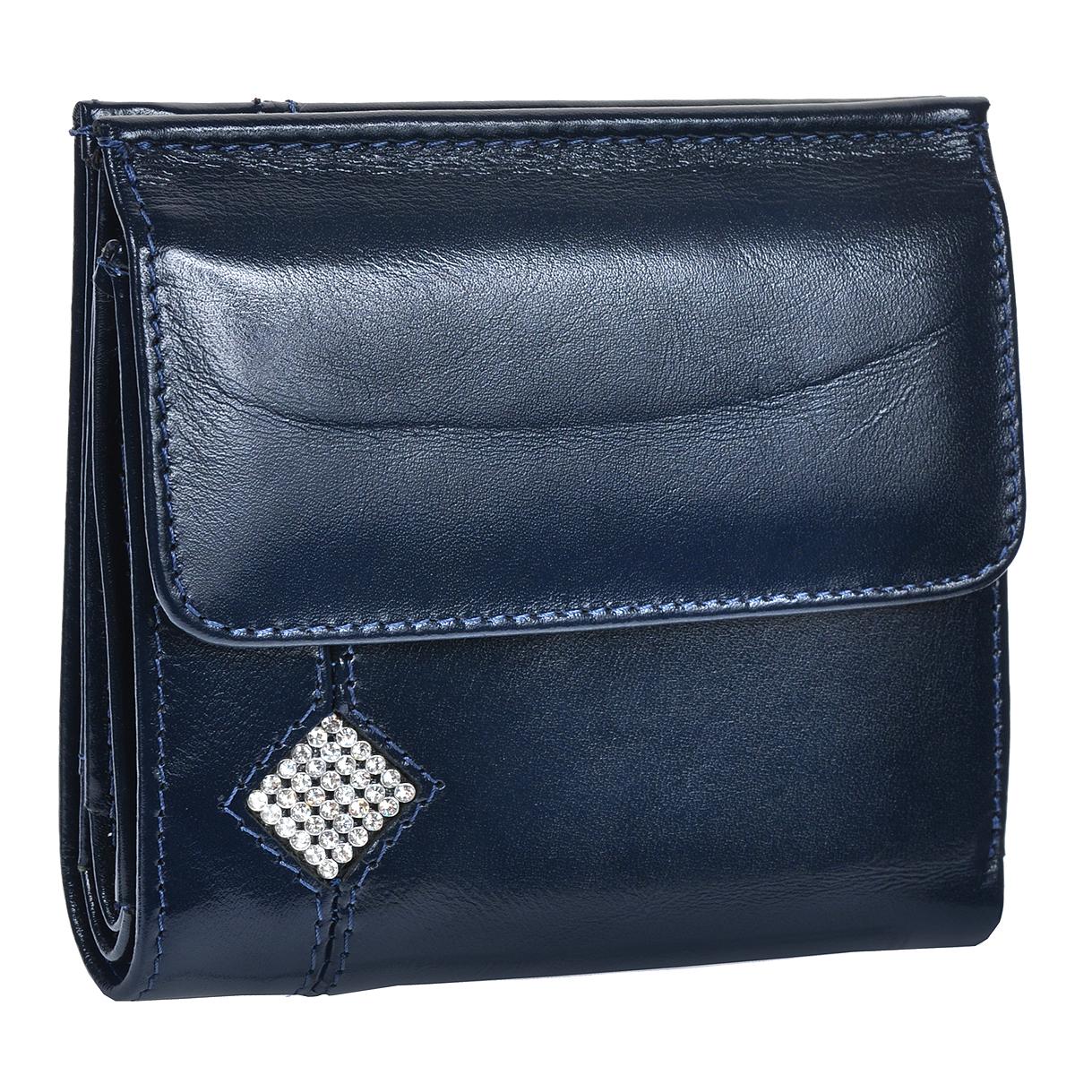 """Кошелек женский Dimanche Сапфир, цвет: темно-синий. 163163Кошелек Dimanche из коллекции Сапфир выполнен из высококачественной натуральной кожи с глянцевым блеском и декорирован стразами. Кошелек состоит из двух отделений. На лицевой стороне - объемный карман для мелочи, закрывающийся клапаном на кнопку. Второе отделение содержит внутри три отсека для купюр, один из которых на молнии, два кармана для кредиток, карман для sim-карты, пластиковое """"окошко"""" для документов и два вертикальных кармана для бумаг. Изделие упаковано в фирменную картонную коробку."""