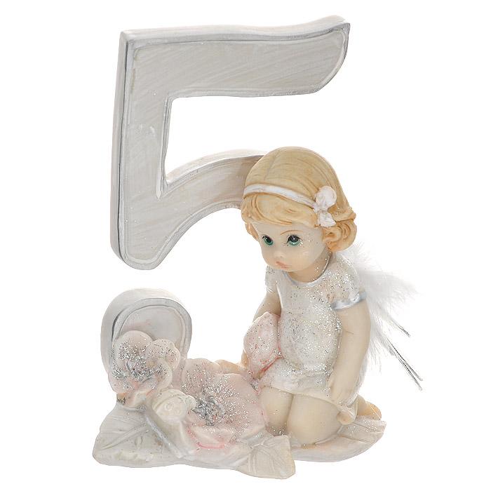 Статуэтка Molento Именинный ангелочек. 5 лет514-958Статуэтка Molento Именинный ангелочек. 5 лет, выполненная из полистоуна, станет отличным подарком для вашего малыша! Все мы знаем, как порой непросто бывает выбрать подходящий подарок к тому или иному торжеству, а декоративные статуэтки Molento всегда были и останутся оригинальным подарком. Этот вид сувенира нельзя назвать бесполезной вещью. Статуэтка может стать великолепным украшением интерьера. Статуэтка является подарком на все времена, подобная вещь никогда не выйдет из моды. Спустя годы она будет только радовать владельца своими изящными формами и плавными линиями.