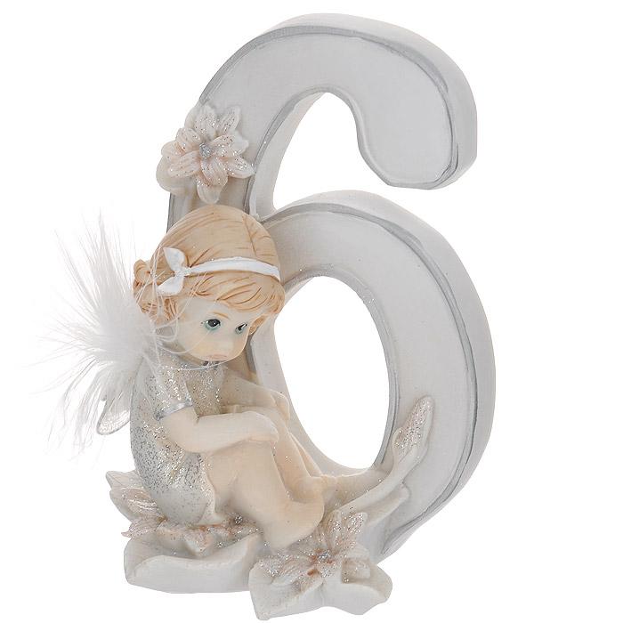 Статуэтка Molento Именинный ангелочек. 6 лет514-959Статуэтка Molento Именинный ангелочек. 6 лет, выполненная из полистоуна, станет отличным подарком для вашего малыша! Все мы знаем, как порой непросто бывает выбрать подходящий подарок к тому или иному торжеству, а декоративные статуэтки Molento всегда были и останутся оригинальным подарком. Этот вид сувенира нельзя назвать бесполезной вещью. Статуэтка может стать великолепным украшением интерьера. Статуэтка является подарком на все времена, подобная вещь никогда не выйдет из моды. Спустя годы она будет только радовать владельца своими изящными формами и плавными линиями.