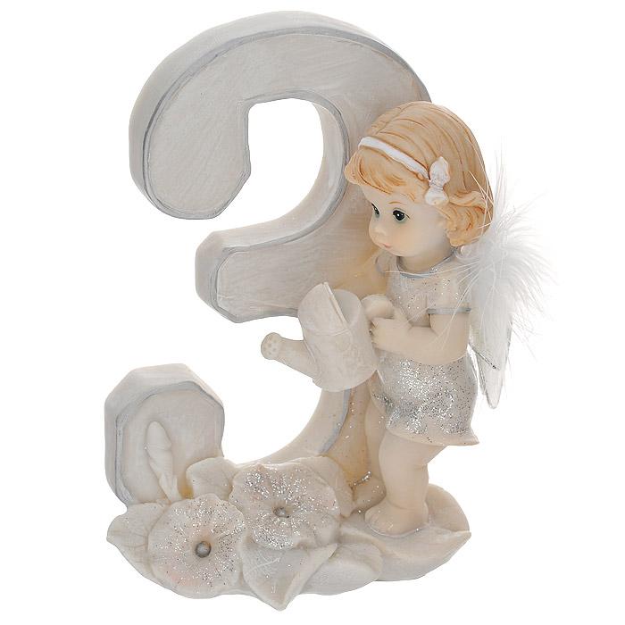 Статуэтка Molento Именинный ангелочек. 3 года514-956Статуэтка Molento Именинный ангелочек. 3 года, выполненная из полистоуна, станет отличным подарком для вашего малыша! Все мы знаем, как порой непросто бывает выбрать подходящий подарок к тому или иному торжеству, а декоративные статуэтки Molento всегда были и останутся оригинальным подарком. Этот вид сувенира нельзя назвать бесполезной вещью. Статуэтка может стать великолепным украшением интерьера. Статуэтка является подарком на все времена, подобная вещь никогда не выйдет из моды. Спустя годы она будет только радовать владельца своими изящными формами и плавными линиями.
