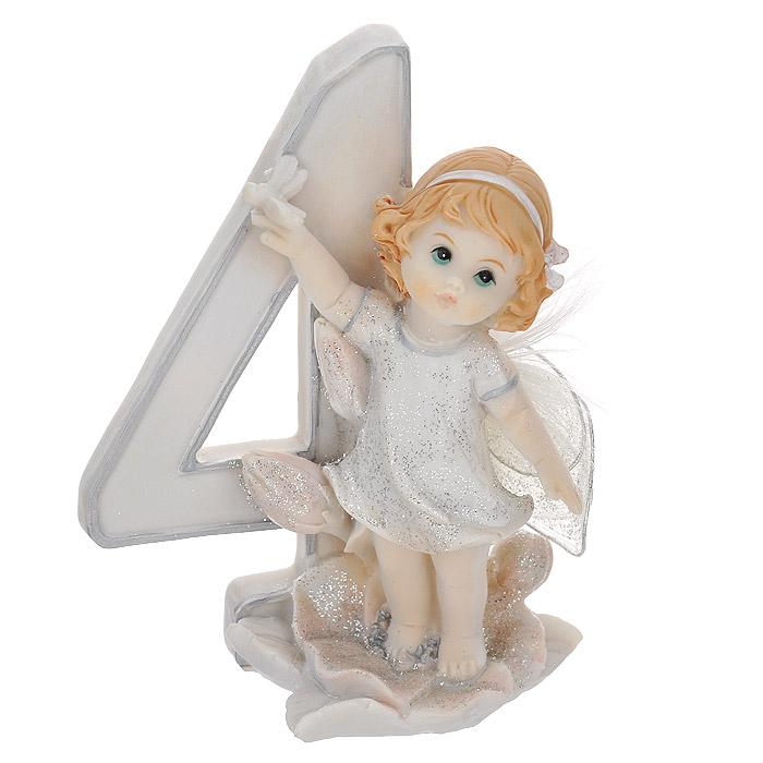 Статуэтка Molento Именинный ангелочек. 4 года514-957Статуэтка Molento Именинный ангелочек. 4 года, выполненная из полистоуна, станет отличным подарком для вашего малыша! Все мы знаем, как порой непросто бывает выбрать подходящий подарок к тому или иному торжеству, а декоративные статуэтки Molento всегда были и останутся оригинальным подарком. Этот вид сувенира нельзя назвать бесполезной вещью. Статуэтка может стать великолепным украшением интерьера. Статуэтка является подарком на все времена, подобная вещь никогда не выйдет из моды. Спустя годы она будет только радовать владельца своими изящными формами и плавными линиями.