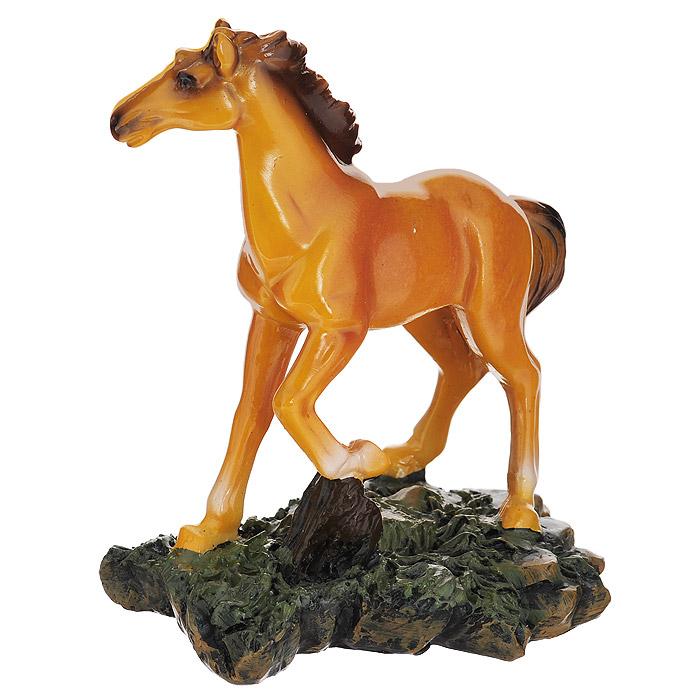 Фигурка декоративная Molento Рыжий конь, высота 14 см512-144Декоративная фигурка Molento Рыжий конь выполнена из полистоуна в виде рыжего коня. Такая фигурка станет отличным дополнением к интерьеру. Вы можете поставить ее в любом месте, где она будет удачно смотреться, и радовать глаз. Кроме того, фигурка Molento Рыжий конь станет замечательным подарком, ведь на протяжении долгих тысячелетий лошадь остается спутником и помощником человеком. Лошадь - это символ быстроты мышления, яркой фантазии, работоспособности и верности. Подарки в виде лошади олицетворяют собой духовное начало и покровительствуют художникам, поэтам и музыкантам.
