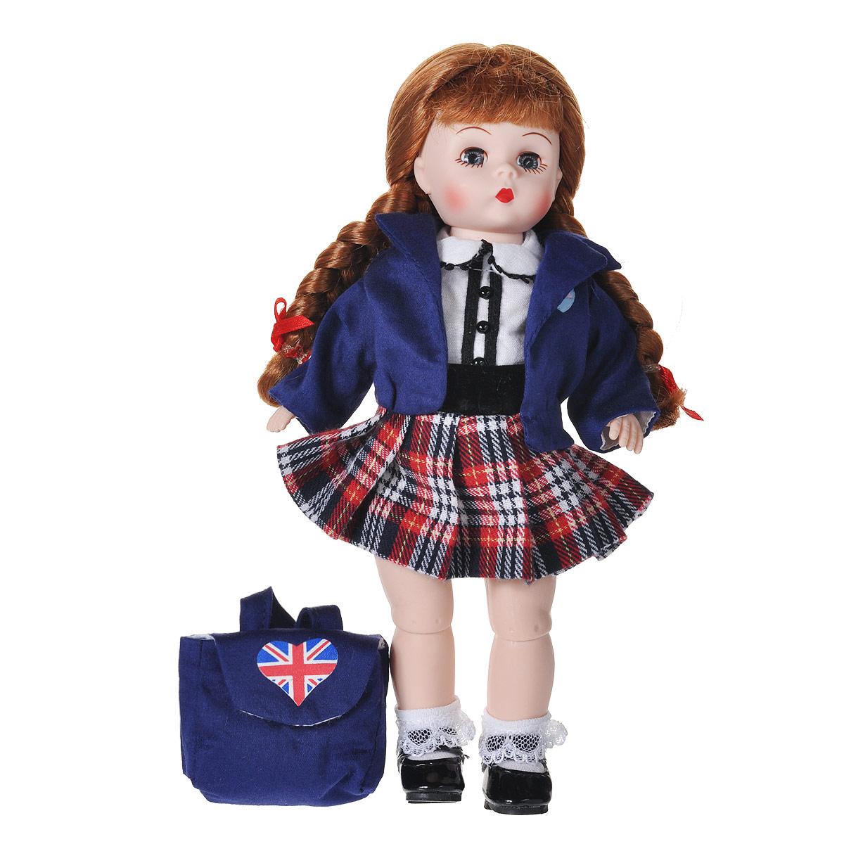 Madame Alexander Кукла Британская школьница64500Кукла Madame Alexander Британская школьница - очаровательная кукла с личиком Венди, с голубыми глазами и длинными заплетенными в две косички волосами. Одета кукла в школьную форму, которая представляет собой темно-синий пиджак, белую блузку и плиссированную клетчатую юбку. Воротничок и планка блузки украшены сутажом и черными кнопками. На ногах кружевные носочки и черные ботиночки. На спине темно-синий рюкзачок с британской символикой. Если куколку положить на спинку, то ее глазки закроются.