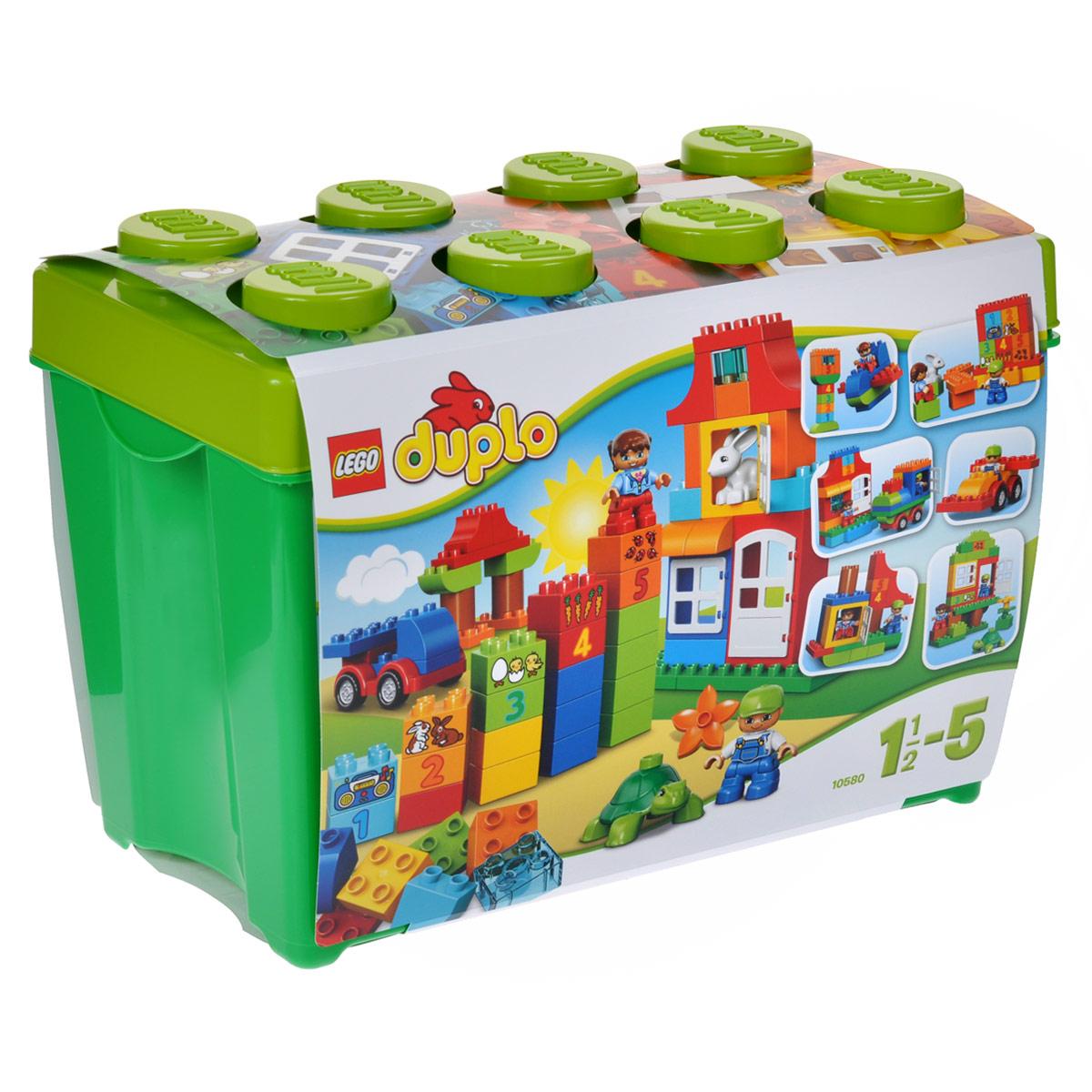 LEGO DUPLO Конструктор Набор для веселой игры 1058010580Подарите своему ребенку море удовольствия с игровой коробкой Deluxe серии LEGO DUPLO. Этот набор является идеальным началом знакомства с веселым конструированием LEGO и содержит огромный ассортимент классических и специальных кубиков DUPLO. Эта игровая коробка откроет целый мир обучения и творчества для вашего маленького строителя - с помощью кубиков с цифрами вы можете обучать счету, а фигурки DUPLO вдохновляют на ролевые игры. Также в набор входит базовая деталь кузова, оконные и дверные элементы ярких основных цветов, с которыми так любят играть малыши. Весь набор упакован в прочную, легко узнаваемую коробку для хранения в форме кубика LEGO и содержит конструкторские идеи, которые помогут вам и вашему ребенку построить замечательный высокий дом и другие интересные здания. Набор включает в себя 95 разноцветных пластиковых элементов крупного размера, среди которых есть колесная база, двери и окна. В комплекте малыш найдет кубики с различными изображениями, мини-фигурки...