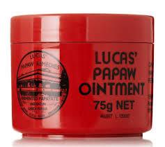 Lucas Papaw Бальзам для губ Ointment, 75 г3Бальзам Lucas Papaw Ointment является одним из лучших средств для лечения и ухода за кожей. Это настоящий специалист по уходу за губами. Тающая, гладкая текстура бальзама хорошо впитывается в кожу и интенсивно ее питает, регенерирует, увлажняет и при этом не создает ощущение липкости на губах. Lucas Papaw Ointment включает в себя антисептические и антибактериальные свойства и может использоваться, так же: - для потрескавшихся губ, при трещинах и сухости губ, - при солнечных ожогах, - при покраснениях и детской опрелости, - при укусах насекомых, - при порезах и ссадинах … и прочих мелких кожных проблемах. Способ применения: равномерно нанесите бальзам на губы. При необходимости повторите. Товар сертифицирован.