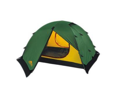 Палатка Alexika Rondo 3 Plus Green9123.3901Для активного отдыха небольшой семьей палатка Rondo 3 Plus - это как раз тот вариант, который сможет удовлетворить все потребности. Он представляет собой усовершенствованный вариант модели Rondo 3. Основным отличием является наличие по периметру ветрозащитной юбки. На фоне других конкурентов эта палатка выделяется сразу несколькими плюсами. Благодаря своей полусферической форме она довольно ветроустойчива. За счет умело сконструированной вентиляции вы можете и в жаркую, и в прохладную погоду поддерживать внутри палатки оптимальную температуру. Циркуляцию воздуха можно создавать с помощью закрытых антимоскитными сетками входов в палатку, а также регулируемых вентиляционных проемов в верхней части купола. Несколько приятных дополнений в виде крючка для фонарика, небольшой полочки и карманчиков для мелких вещей довершают образ идеального походного жилья. Два просторных тамбура позволяют расположить в них все туристическое снаряжение. Дно палатки Rondo 3 Plus и юбка по периметру...
