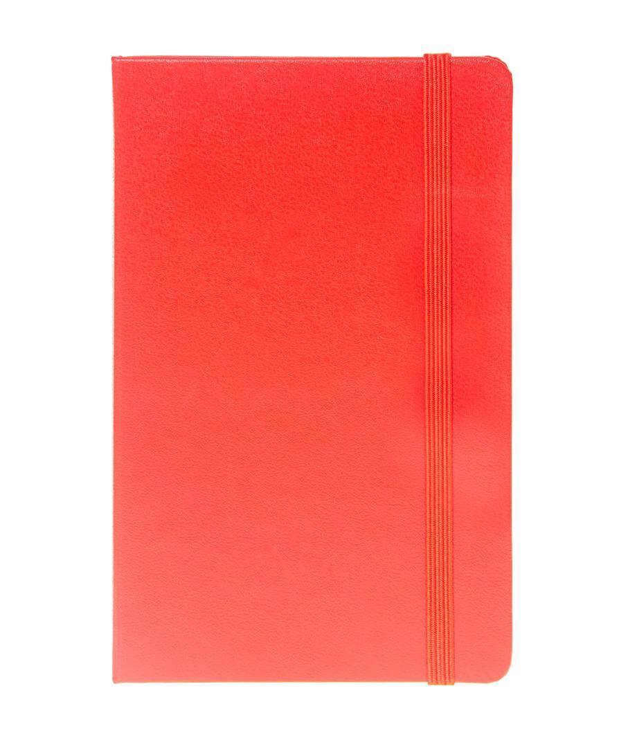 Блокнот Moleskine Moleskine Classic Classic (нелинованная) Pocket краснаяQP012RENЗаписная книжка с 192 нелинованными страницами. Неповторимые черты записной книжки Молескин: Удобная эластичная застежка; Прочная влагозащитная обложка; Прошитый нитками переплет; Практичные скругленные углы; Не желтеющие со временем страницы; Быстро впитывающая чернила бумага; Функциональная лента-закладка; Вместительный внутренний кармашек. Записная книжка Moleskine занимает 17 место среди 999 самых значимых предметов дизайна, созданных в мире за последние 200 лет. (Издание Phaidon Design Classics, Великобритания, 2009). Характеристики: Размер: 9 см х 14 см. Материал: бумага, влагостойкий синтетический материал. Производитель: Италия. Артикул: QP012REN. Moleskine (Молескин) - легендарная записная книжка, которой уже два столетия отдает дань любви и уважения европейская творческая интеллигенция: писатели, журналисты, художники, дизайнеры, архитекторы, актеры и музыканты. Среди...