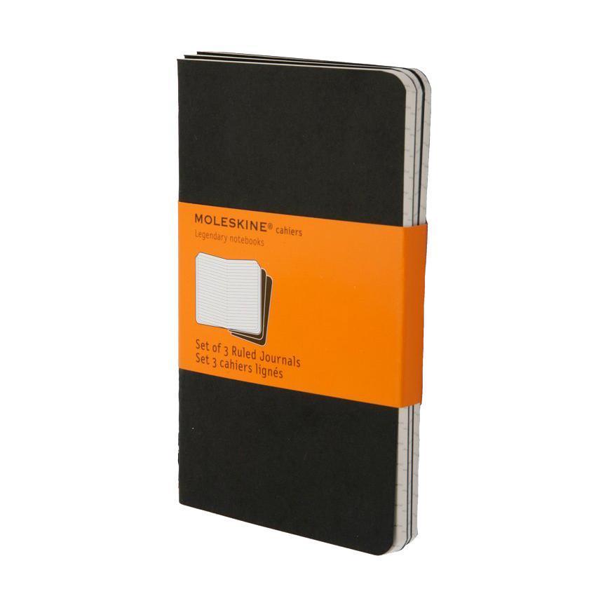 Блокнот Moleskine Cahier (в линейку) Pocket черная 3 штQP311ENЛегкая и компактная записная книжка Moleskine Cahier поместится в любом кармане. Записная книжка в картонной обложке без пропитки содержит 64 страницы в линейку. Неповторимые черты записной книжки Молескин: Прошитый нитками переплет; Практичные скругленные углы; Не желтеющие со временем страницы; Последние 16 листов с перфорацией для отрыва; Быстро впитывающая чернила бумага; Вместительный внутренний кармашек. Характеристики: Цвет: черный. Размер: 9 см х 14 см. Материал: бумага, картон. Moleskine (Молескин) - легендарная записная книжка, которой уже два столетия отдает дань любви и уважения европейская творческая интеллигенция: писатели, журналисты, художники, дизайнеры, архитекторы, актеры и музыканты. Среди знаменитых поклонников Moleskine - Эрнест Хемингуэй и Пабло Пикассо, Брюс Чатвин и Луис Сепульведа, Винсент Ван Гог и Анри Матисс, Жан-Поль Сартр и Гийом Апполлинер, Оскар Уайльд и...