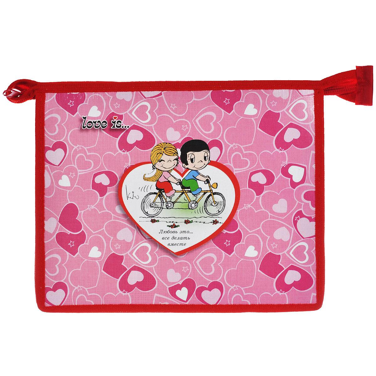 Action! Папка для тетрадей Love is цвет розовый красный C37674/LI-FZA5-1C37674/LI-FZA5-1 розовыйПапка Action! Love is предназначена для хранения тетрадей, рисунков и прочих бумаг с максимальным форматом А5. Папка выполнена из картона и ПВХ и содержит одно отделение. Закрывается она на застежку-молнию. Лицевая сторона папки оформлена изображениями двух влюбленных и надписью Любовь это... все делать вместе. С папкой Action! Love is тетради вашего ребенка всегда будут выглядеть опрятно.