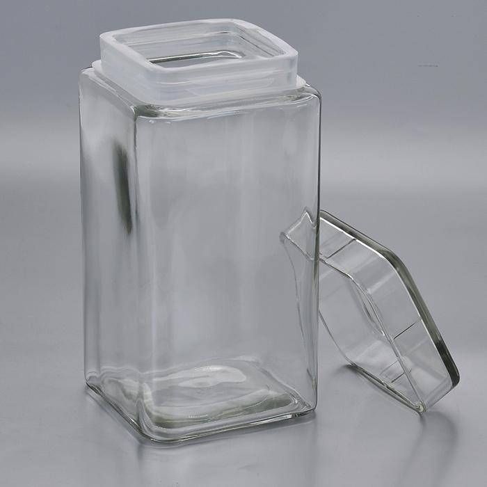 Емкость для хранения Esprado Cristella, 2100 млC042101E405Емкость для хранения Esprado Cristella изготовлена из качественного прозрачного стекла, отполированного до идеального блеска и гладкости. Изделие имеет квадратную форму. Стекло термостойкое, что позволяет использовать емкость Esprado при различных температурах (от -15°С до +100°С). Это делает ее функциональным и универсальным кухонным аксессуаром. Емкость очень вместительна, поэтому прекрасно подходит для хранения круп, макарон, кофе, орехов, специй и других сыпучих продуктов. Крышка плотно закрывается и легко открывается благодаря пластиковой прослойке. Благодаря различным дизайнерским решениям такая емкость дополнит и украсит интерьер любой кухни. Емкости для хранения из коллекции Cristella разработаны на основе эргономичных дизайнерских решений, которые позволяют максимально эффективно и рационально использовать кухонные поверхности. Благодаря универсальному внешнему виду, они будут привлекательно смотреться в интерьере любой кухни. Емкости для...