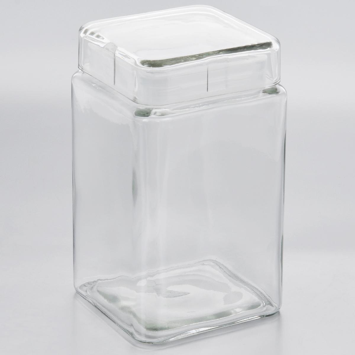 Емкость для хранения Esprado Cristella, 1680 млC041601E405Емкость для хранения Esprado Cristella изготовлена из качественного прозрачного стекла, отполированного до идеального блеска и гладкости. Изделие имеет квадратную форму. Стекло термостойкое, что позволяет использовать емкость Esprado при различных температурах (от -15°С до +100°С). Это делает ее функциональным и универсальным кухонным аксессуаром. Емкость очень вместительна, поэтому прекрасно подходит для хранения круп, макарон, кофе, орехов, специй и других сыпучих продуктов. Крышка плотно закрывается и легко открывается благодаря силиконовой прослойке. Это обеспечивает герметичность и дольше сохраняет продукты свежими. Благодаря различным дизайнерским решениям такая емкость дополнит и украсит интерьер любой кухни. Емкости для хранения из коллекции Cristella разработаны на основе эргономичных дизайнерских решений, которые позволяют максимально эффективно и рационально использовать кухонные поверхности. Благодаря универсальному внешнему виду, они будут привлекательно...