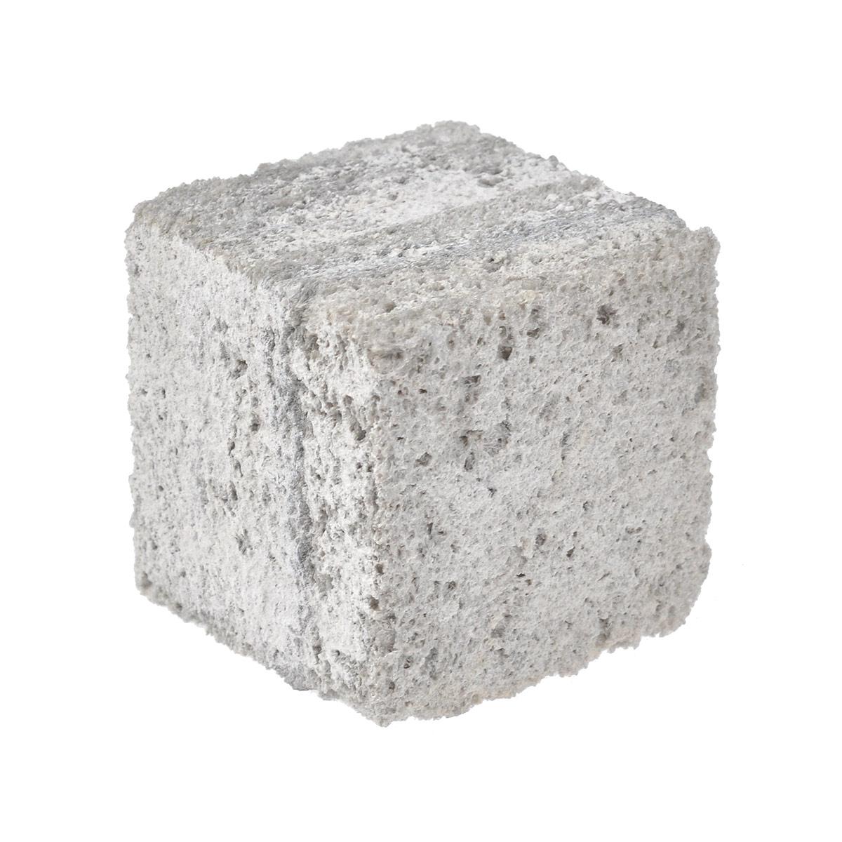 Камень для шиншилл JR Farm, жевательный, 50 г36547/10988Камень для шиншилл JR Farm  очень твердый. Жевательный камень из Анд - естественного местообитания шиншилл. Камень обеспечивает стирание зубов и их заточку у шиншилл и дегу. Состав: горный камень из Анд. Размер (ДхШхВ): 4,5 см х 4,5 см х 4,5 см. Товар сертифицирован.