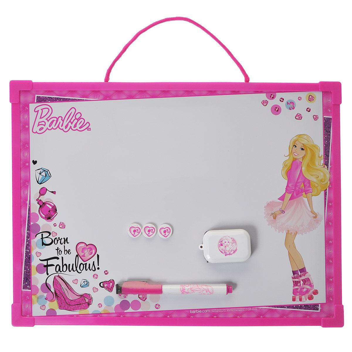 Доска магнитно-маркерная Barbie, цвет: ярко-розовый, белый, с аксессуарамиBRBB-US1-Z150098Магнитно-маркерная доска Barbie - прекрасный способ для развития творческих и мыслительных способностей ребенка. Края доски обрамлены пластиком, который защищает ее от повреждений. В комплекте с доской предусмотрены специальный маркер с колпачком-стеркой из фетра, три круглых магнита и специальная губка для стирания записей и рисунков. Доска оформлена изображением Барби и имеет удобную веревочную петлю для подвешивания. Чернила маркера безопасные и нетоксичные. Магнитно-маркерная доска Barbie отлично подойдет для игр и учебы.