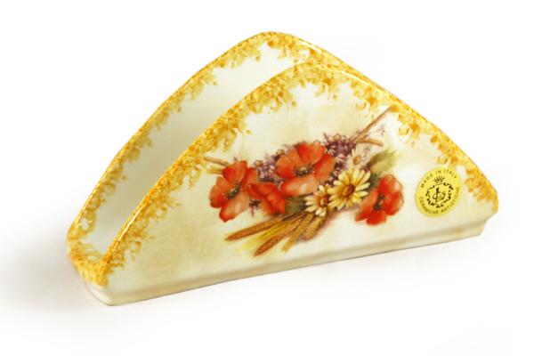 Салфетница LCS Маковый луг, 20 х 6 х 11 смLCS996-P-ALСалфетница LCS Маковый луг, изготовленная из высококачественной керамики, оформлена изображениями цветков и колосков. Красочность оформления придется по вкусу и ценителям классики, и тем, кто предпочитает утонченность и изящность. Салфетница яркого дизайна изящно украсит ваш кухонный стол. Размер салфетницы: 20 х 6 х 11 см.