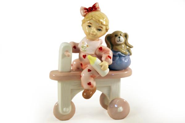 Статуэтка Девочка на велосепедеN-PB0480-ALМатериал: Фарфор. Цвет: белый, розовый. Серия: Статуэтки.