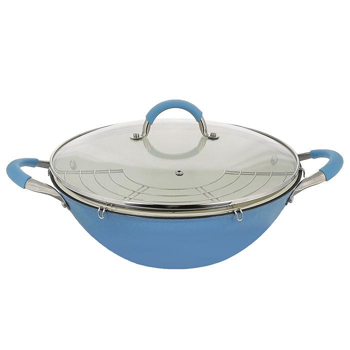 Казан чугунный Mayer & Boch с крышкой, с решеткой-барбекю, цвет: голубой, 5,6 л21412Казан Mayer & Boch, изготовленный из чугуна, идеально подходит для приготовления вкусных тушеных блюд. Чугун является традиционным высокопрочным, экологически чистым материалом. Причем, чем дольше и чаще вы пользуетесь этой посудой, тем лучше становятся ее свойства. Высокая теплоемкость чугуна позволяет ему сильно нагреваться и медленно остывать, а это в свою очередь обеспечивает равномерное приготовление пищи. Чугун не вступает в какие-либо химические реакции с пищей в процессе приготовления и хранения, а плотное покрытие - безупречное препятствие для бактерий и запахов. Пища, приготовленная в чугунной посуде, благодаря экологической чистоте материала не может нанести вред здоровью человека. Казан оснащен двумя удобными ручками из нержавеющей стали с силиконовыми вставками. Крышка изготовлена из жаропрочного стекла и оснащена отверстием для выпуска пара и металлическим ободом. Такая крышка позволяет следить за процессом приготовления пищи без ...