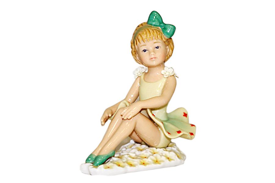 Статуэтка Балерина (с зелёным бантом)N-PB0952/B-ALМатериал: Фарфор. Цвет: бежевый, зеленый. Серия: Статуэтки.