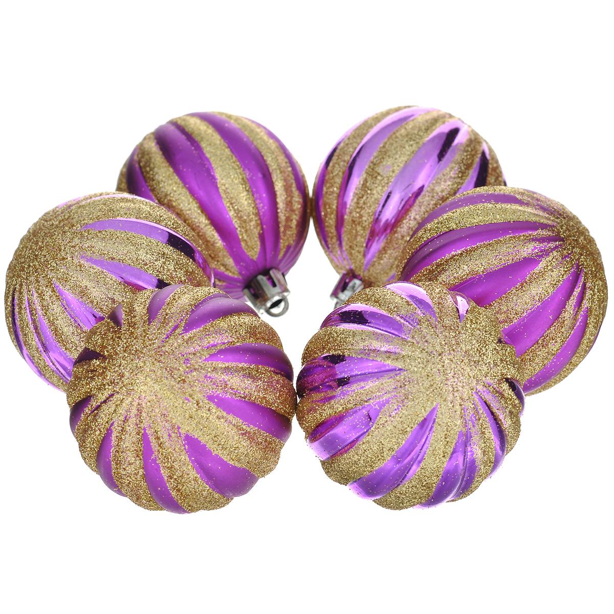 Набор новогодних подвесных украшений Шар, цвет: фиолетовый, диаметр 6 см, 6 шт. 3552735527Набор новогодних подвесных украшений Шар прекрасно подойдет для праздничного декора новогодней ели. Состоит из шести шаров. Елочная игрушка - символ Нового года. Она несет в себе волшебство и красоту праздника. Создайте в своем доме атмосферу веселья и радости, украшая новогоднюю елку нарядными игрушками, которые будут из года в год накапливать теплоту воспоминаний. Коллекция декоративных украшений принесет в ваш дом ни с чем несравнимое ощущение волшебства! Откройте для себя удивительный мир сказок и грез. Почувствуйте волшебные минуты ожидания праздника, создайте новогоднее настроение вашим дорогим и близким.