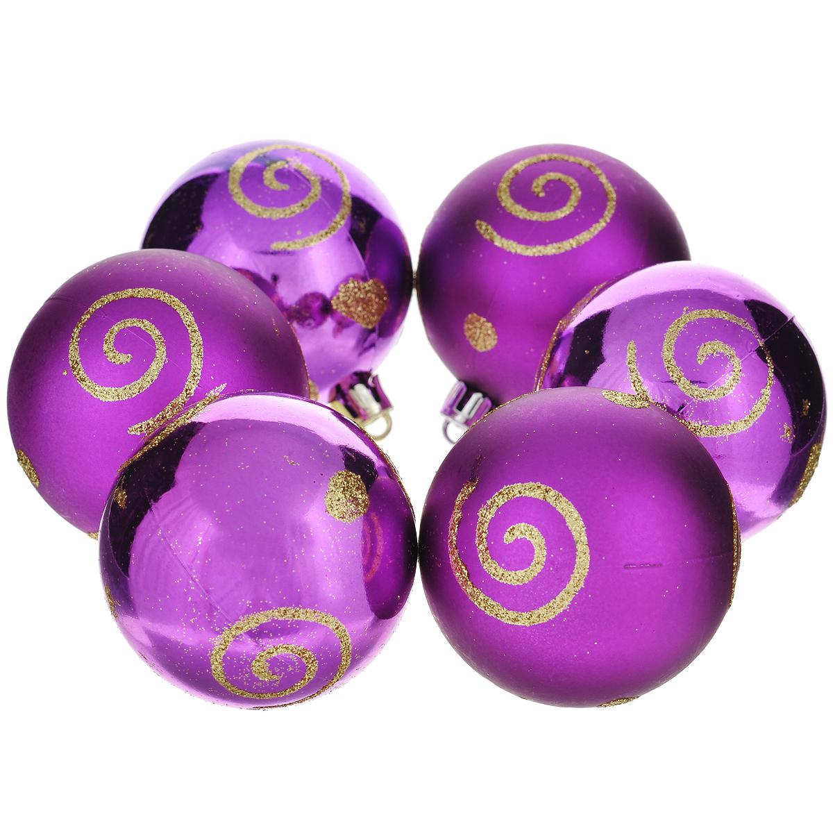 Набор новогодних подвесных украшений Шар, цвет: фиолетовый, диаметр 6 см, 6 шт. 3552135521Набор новогодних подвесных украшений Шар прекрасно подойдет для праздничного декора новогодней ели. Состоит из шести шаров. Елочная игрушка - символ Нового года. Она несет в себе волшебство и красоту праздника. Создайте в своем доме атмосферу веселья и радости, украшая новогоднюю елку нарядными игрушками, которые будут из года в год накапливать теплоту воспоминаний. Коллекция декоративных украшений принесет в ваш дом ни с чем несравнимое ощущение волшебства! Откройте для себя удивительный мир сказок и грез. Почувствуйте волшебные минуты ожидания праздника, создайте новогоднее настроение вашим дорогим и близким.
