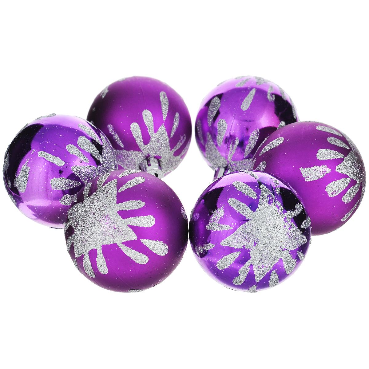 Набор новогодних подвесных украшений Шар, цвет: фиолетовый, диаметр 6 см, 6 шт. 3552435524Набор новогодних подвесных украшений Шар прекрасно подойдет для праздничного декора новогодней ели. Состоит из шести пластиковых шаров. Елочная игрушка - символ Нового года. Она несет в себе волшебство и красоту праздника. Создайте в своем доме атмосферу веселья и радости, украшая новогоднюю елку нарядными игрушками, которые будут из года в год накапливать теплоту воспоминаний. Коллекция декоративных украшений принесет в ваш дом ни с чем несравнимое ощущение волшебства! Откройте для себя удивительный мир сказок и грез. Почувствуйте волшебные минуты ожидания праздника, создайте новогоднее настроение вашим дорогим и близким.