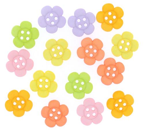 Пуговицы декоративные Dress It Up Цветы, 15 шт. 77045867704586Набор Dress It Up Цветы состоит из 15 декоративных пуговиц, выполненных из пластика. Такие пуговицы подходят для любых видов творчества: скрапбукинга, декорирования, шитья, изготовления кукол, а также для оформления одежды. С их помощью вы сможете украсить открытку, фотографию, альбом, подарок и другие предметы ручной работы. Пуговицы разных цветов имеют оригинальный и яркий дизайн.