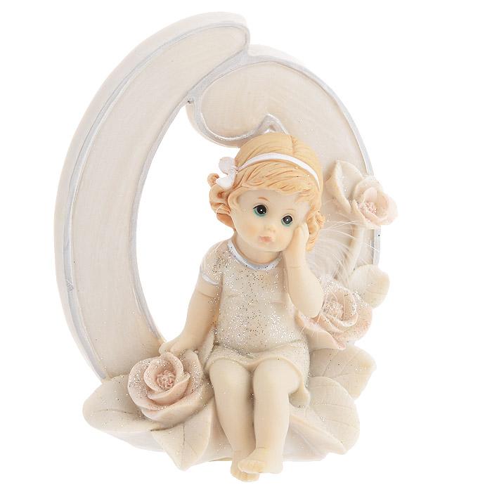 Статуэтка Molento Именинный ангелочек, высота 11 см. 514-953514-953Статуэтка Molento Именинный ангелочек, выполненная из полистоуна, станет отличным подарком для вашего малыша! Все мы знаем, как порой непросто бывает выбрать подходящий подарок к тому или иному торжеству, а декоративные статуэтки Molento всегда были и останутся оригинальным подарком. Этот вид сувенира нельзя назвать бесполезной вещью. Статуэтка может стать великолепным украшением интерьера. Статуэтка является подарком на все времена, подобная вещь никогда не выйдет из моды. Спустя годы она будет только радовать владельца своими изящными формами и плавными линиями.