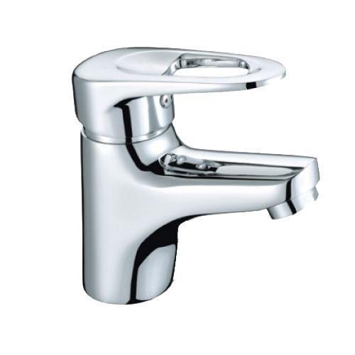 Смеситель для умывальника, Adriatic, Milardo, ADRSB00M01ADRSB00M01*Материал корпуса – латунь высокого качеств *Многослойное, стойкое к истиранию никель-хромовое покрытие. Долговечные керамические картриджи. Диаметр картриджа – 35 мм. *Съемный пластиковый аэратор обеспечивает струю, мягкий и экономичный поток воды. *В комплекте: гибкая подводка, комплект креплений. *Гарантия 3 года. *Сервисные центры на территории продаж.