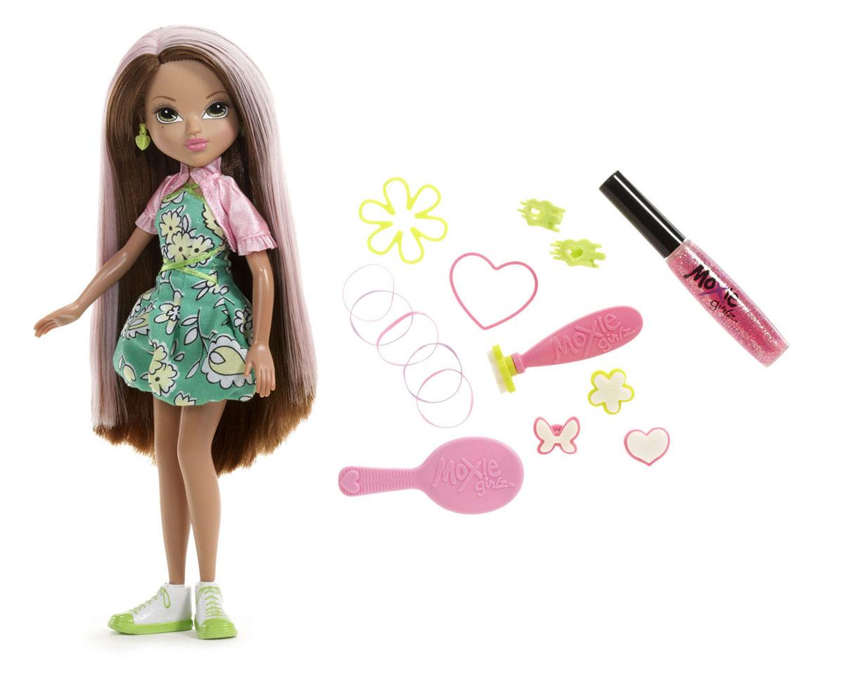Moxie Кукла Волшебные волосы Моне530916MOXIE - веселые подружки-подростки. Они яркие, модные, любознательные и дружные. Подружки не всегда следуют моде, они ее творят! У каждой из кукол свой собственный, неповторимый стиль, все они очень современны - от японского аниме до американского граффити. Они не боятся пробовать что-то новое или творить яркие образы. В мире моды подружки ценят естественность и непосредственность, индивидуальность и самовыражение, отважность и любопытство, дружбу и взаимопомощь. Игры с куклами Мокси способствуют развитию наблюдательности, мелкой моторики, логики и художественного вкуса! Для изготовления кукол MOXIE используется качественный материал винил: твердый винил - для производства головы куклы, более мягкий предназначается для тела, сгибающийся - для рук и ног куклы. Кукла Moxie Волшебные волосы: Моне позволит вашей маленькой моднице овладеть навыками стилиста и стать одним из лучших знатоков всех секретов красоты. Создание модных причесок доставит ей...