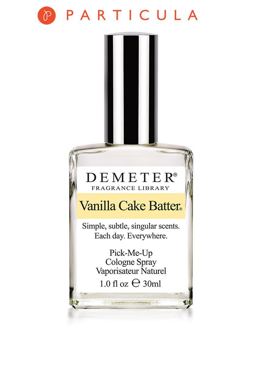 Demeter Fragrance Library Духи-спрей Ванильная сдоба (Vanilla cake batter), женские, 30 млDM13037Qu'ils mangent de la brioche! Вы когда-нибудь заходили с утра в настоящую пекарню, из которой доносится аромат свежего хлеба, вкусных тортов и румяных булочек с вареньем? Наверняка вы понимаете, о чем речь: когда голову дурманит тот самый теплый и очень сладкий запах. Для тех, кто был в такой пекарне, новый аромат от Demeter Ванильная сдоба — это отличный способ закрепить свои сладкие кулинарные воспоминания. А тем, кто не бывал там, рекомендуется сначала попробовать эти духи. У вас нет хлеба? Берите Vanilla Cake Batter! Способ применения: нанести на сухую, чистую кожу. На точки пульса, волосы, одежду. Духи считаются самым изысканным видом парфюмерной продукции и содержат самый большой процент ароматической композиции (от 15% до 30% и более), растворенной в очень чистом спирте (96% об.). Высокое содержание экстракта обеспечивает духам большую стойкость и силу по сравнению с другими видами парфюмерных товаров. Всего лишь пары капель достаточно для того, чтобы...