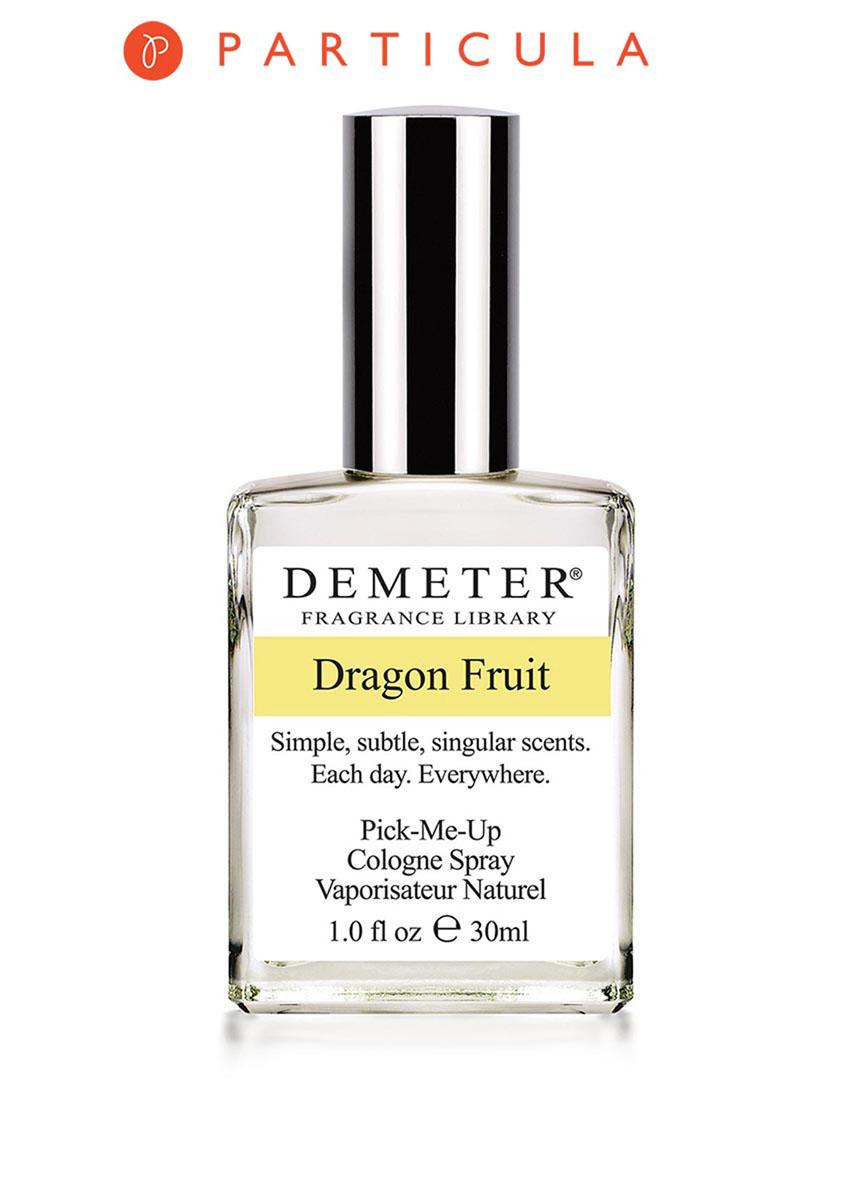 Demeter Fragrance Library Духи-спрей Питахайя (Dragon fruit), женские, 30 млDM20937Не пугайтесь названия. Это фрукт, и даже весьма полезный. Главная особенность этого растения состоит в том, что оно цветет обычно лишь ночью, а к утру увядает. Спелые плоды питахайи мягкие и легко повреждаются, поэтому их сложно транспортировать, кроме того хранятся они не более трех дней. Так что Demeter Dragon fruit - уникальная возможность познать аромат экзотического фрукта, не выходя из дома, и наслаждаться им снова и снова. Способ применения: нанести на сухую, чистую кожу. На точки пульса, волосы, одежду. Духи считаются самым изысканным видом парфюмерной продукции и содержат самый большой процент ароматической композиции (от 15% до 30% и более), растворенной в очень чистом спирте (96% об.). Высокое содержание экстракта обеспечивает духам большую стойкость и силу по сравнению с другими видами парфюмерных товаров. Всего лишь пары капель достаточно для того, чтобы запах держался в течение 5 и более часов. Товар сертифицирован.