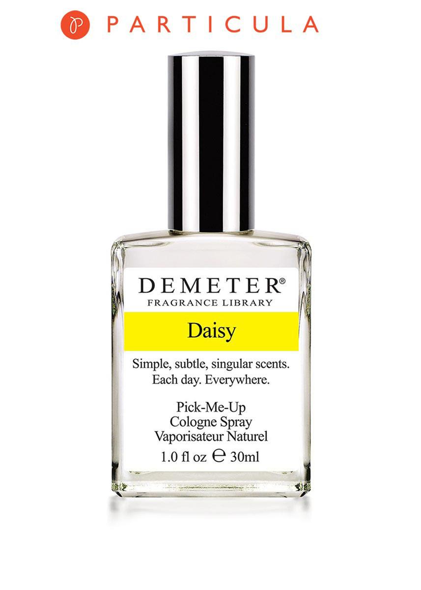 Demeter Fragrance Library Духи-спрей Маргаритка (Daisy), женские, 30 млDM27037Скажете, не маргаритка это, а ромашка? На самом деле, ромашек и маргариток великое множество, и несколько сортов действительно внешне очень похожи. На маргаритке можно гадать так же, как и на ромашке, а венки из цветков получаются одинаково красивыми. Что касается аромата, то он по-настоящему летний, полевой и свежий. Носите его на себе, как венок из цветков, и тогда гадание сведется к тому, что все без исключения вас любят! Способ применения: нанести на сухую, чистую кожу. На точки пульса, волосы, одежду. Духи считаются самым изысканным видом парфюмерной продукции и содержат самый большой процент ароматической композиции (от 15% до 30% и более), растворенной в очень чистом спирте (96% об.). Высокое содержание экстракта обеспечивает духам большую стойкость и силу по сравнению с другими видами парфюмерных товаров. Всего лишь пары капель достаточно для того, чтобы запах держался в течение 5 и более часов. Товар сертифицирован.
