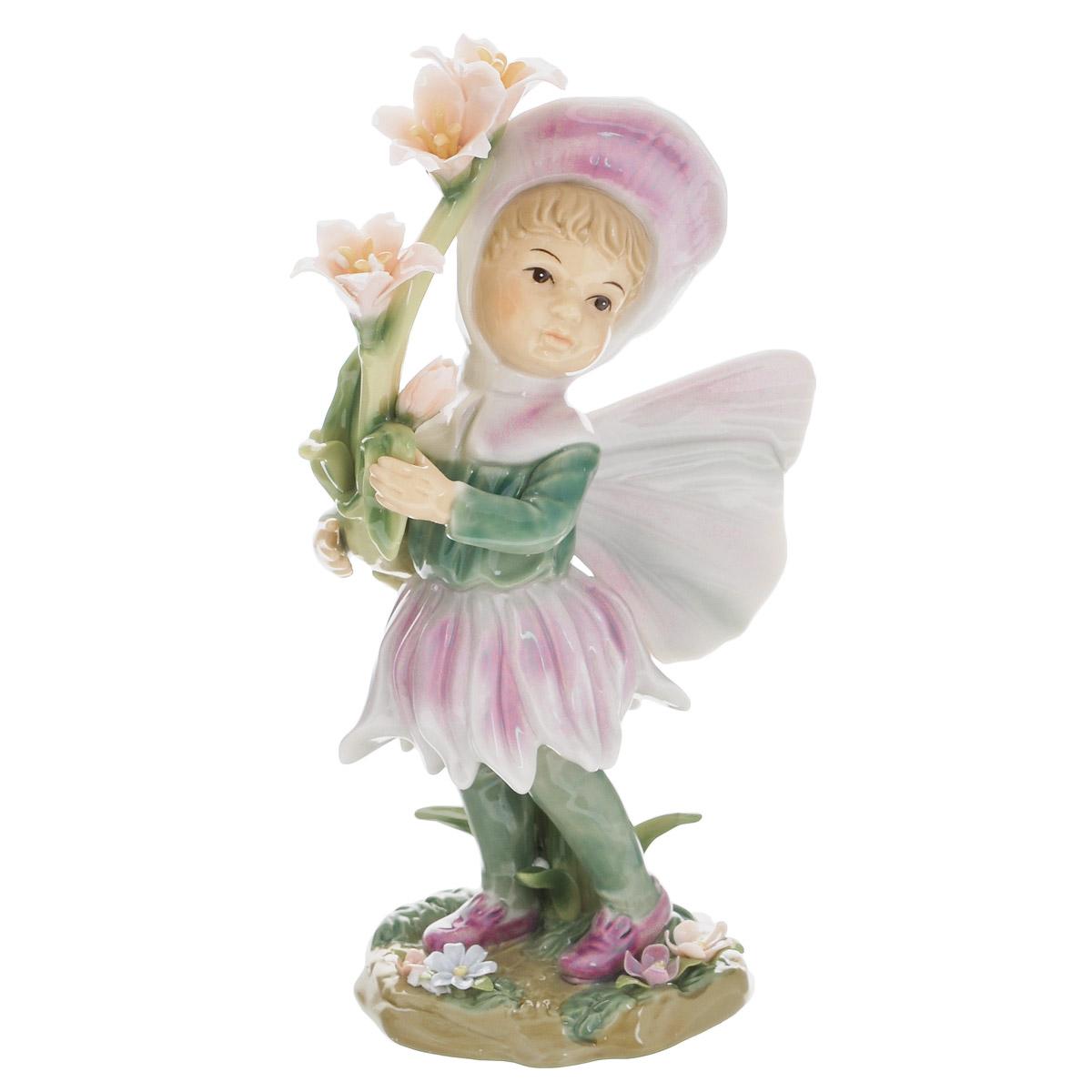 Статуэтка Navel Девочка-фея в розовом, высота 21 смN-PB0177/B-ALОчаровательная статуэтка Девочка-фея в розовом станет оригинальным подарком для всех любителей стильных вещей. Она выполнена из фарфора, покрытого глазурью, в нежных зеленых и сиреневых тонах, в виде девочки-феи с цветами. Изысканный сувенир станет прекрасным дополнением к интерьеру. Вы можете поставить статуэтку в любом месте, где она будет удачно смотреться, и радовать глаз.