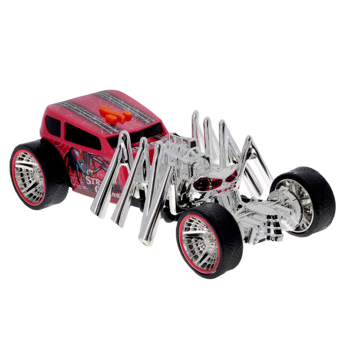 Hot Wheels Машинка Экстремальные гонки Паук90510TSЯркая машинка Hot Wheels Экстремальные гонки со звуковыми эффектами, несомненно, понравится вашему ребенку и не позволит ему скучать. Автомобиль с уникальным дизайном сделает любую игру мальчика захватывающей и интересной, ведь машина не только едет, некоторые ее части двигаются! Машина может быть представлена в виде паука, скорпиона или акулы. При нажатии на кнопку, расположенную на крыше, воспроизводятся звуки мотора, у паука светятся глаза и двигаются лапы, акула оснащена дрифтом и у нее открывается пасть, у скорпиона шевелится хвост. Колеса машинки выполнены из резины. Ваш ребенок часами будет играть с машинкой, придумывая различные истории и устраивая соревнования. Порадуйте его таким замечательным подарком! Рекомендуется докупить 3 батарейки напряжением 1,5V типа AАА (товар комплектуется демонстрационными).
