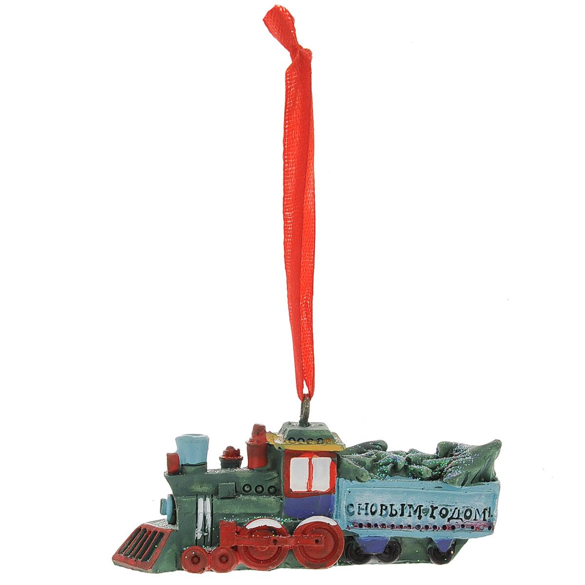 Новогоднее подвесное украшение Паровоз с елками. 3456734567Оригинальное новогоднее украшение из пластика прекрасно подойдет для праздничного декора дома и новогодней ели. Изделие крепится на елку с помощью металлического зажима.