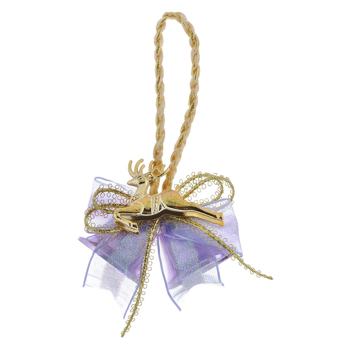 Новогоднее подвесное украшение Колокольчики, цвет: сиреневый. 3501835018Новогоднее украшение Колокольчики отлично подойдет для декорации вашего дома и новогодней ели. Игрушка выполнена в виде связки на декоративной ленте из шести пластиковых колокольчиков различных размеров. Связка украшена декоративным элементом в виде цветка с золотистым листком, ветками с ягодами и текстильным бантом с мишурой. Колокольчики украшены мишурой и золотой каймой по краю. Украшение оснащено специальной текстильной петелькой для подвешивания. Елочная игрушка - символ Нового года. Она несет в себе волшебство и красоту праздника. Создайте в своем доме атмосферу веселья и радости, украшая всей семьей новогоднюю елку нарядными игрушками, которые будут из года в год накапливать теплоту воспоминаний.