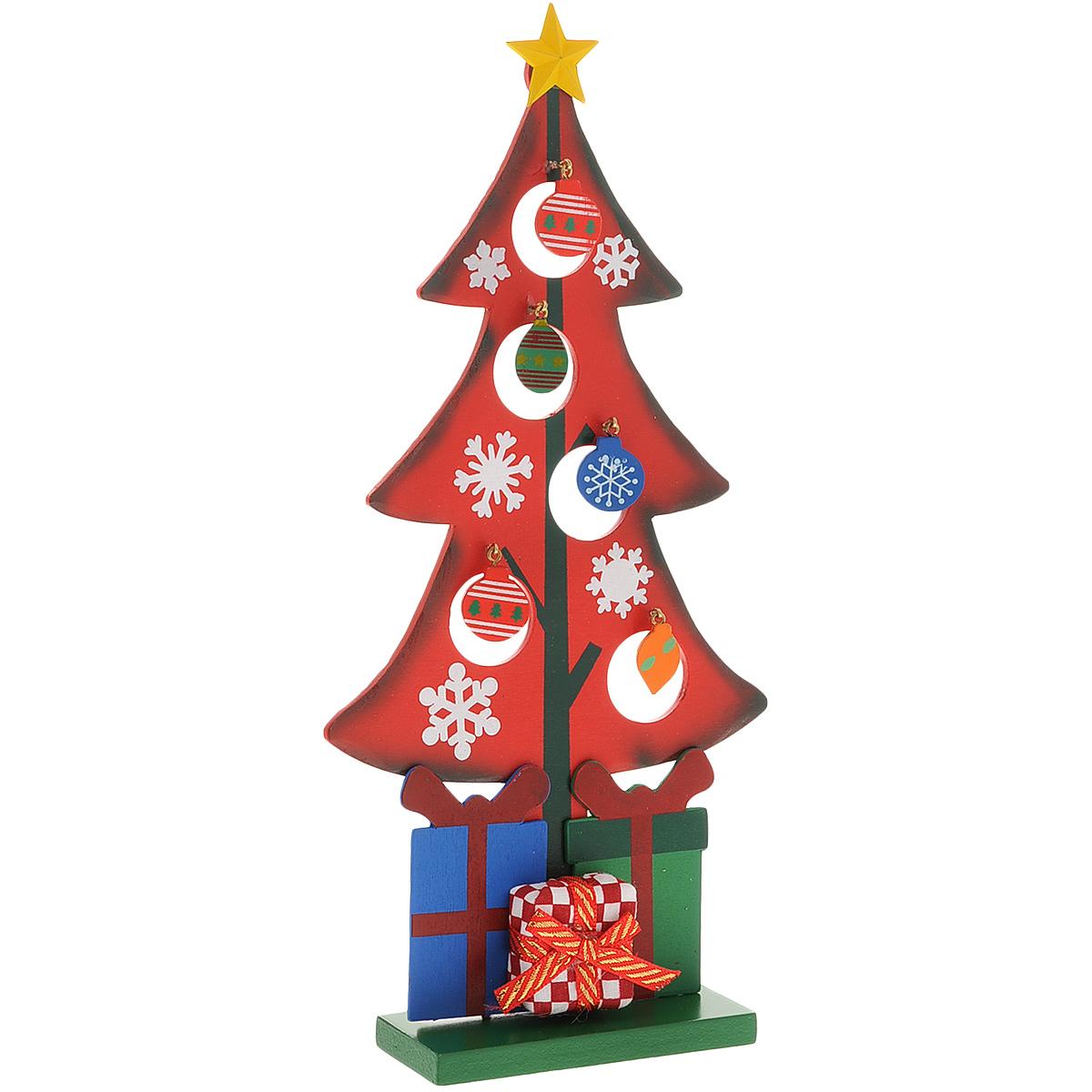 Украшение новогоднее Рождественская елочка, цвет: красный, 28 см. 3526535265Украшение Рождественская елочка, изготовленное из дерева, отлично подойдет для декорации вашего дома. Украшение выполнено в виде ели на прямоугольной подставке. Елка украшена снежинками, подарками, новогодними игрушками на металлических крючках и верхушкой-звездой. Новогодние украшения всегда несут в себе волшебство и красоту праздника. Создайте в своем доме атмосферу тепла, веселья и радости, украшая его всей семьей.