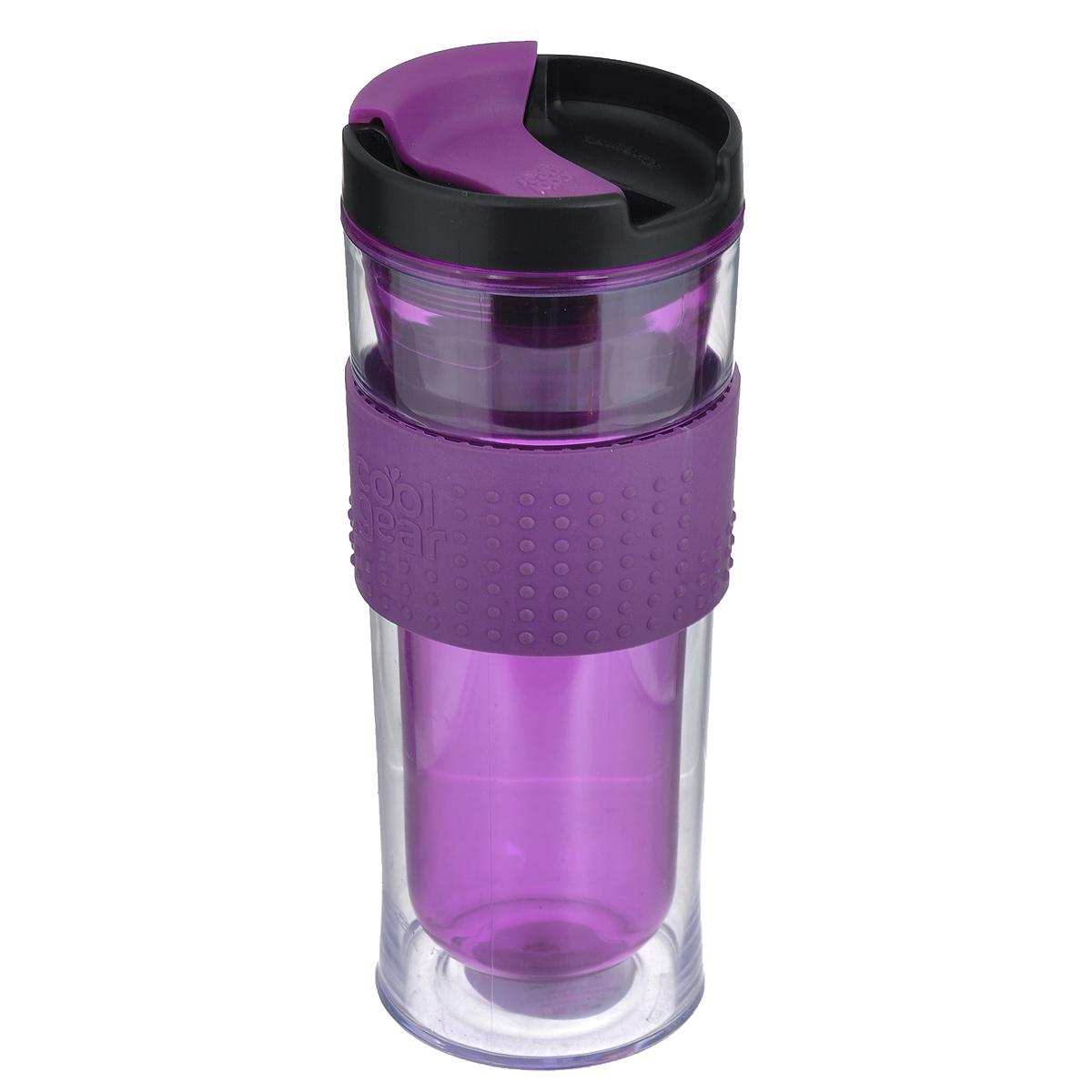 Кружка дорожная Cool Gear Eco 2 Go для горячих напитков, цвет: фиолетовый, 420 мл. 12801280Дорожная кружка Cool Gear Eco 2 Go изготовлена из высококачественного BPA-free пластика, не содержащего токсичных веществ. Двойные стенки дольше сохраняют напиток горячим и не обжигают руки. Надежная закручивающаяся крышка с защитой от проливания обеспечит дополнительную безопасность. Крышка оснащена клапаном для питья. Оптимальный объем позволит взять с собой большую порцию горячего кофе или чая. Также подходит и для холодных напитков. Антискользящий ободок предотвращает выскальзывание кружки из рук. Кружка идеальна для ежедневного использования. Она станет вашим обязательным спутником в длительных поездках или занятиях зимними видами спорта. Не рекомендуется использовать в микроволновой печи и мыть в посудомоечной машине. Cool Gear - мировой лидер в сфере производства товаров для питья, продукция которого пользуется огромной популярностью по всему миру! Ассортимент компании включает более 120 видов бутылок для питья и дорожных кружек. Выбирайте для...