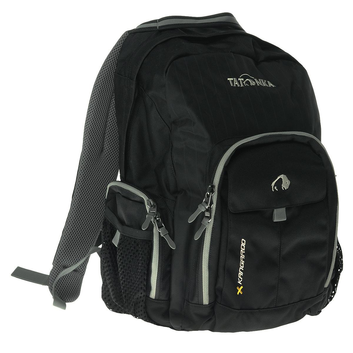 Рюкзак городской Tatonka Kangaroo, цвет: черный, 27 л. 1601.0401601.040Практичный городской рюкзак со множеством карманов. Рюкзак Kangaroo назван так вероятно потому, что в него можно уложить большое количество вещей. Для всего, что не помещается в основное отделение или должно находиться под рукой, рюкзак Kangaroo располагает передним накладным карманом на молнии с органайзером и двумя боковыми сетчатыми карманами на молнии. Легкие грудной и поясной ремни обеспечивают дополнительную фиксацию рюкзака. Спинка, обтянутая воздухопроницаемой сеткой AirMesh, удобно прилегает к спине и обеспечивает комфорт при ношении. Лямки так-же обтянуты сеточкой AirMesh и обеспечивают комфорт даже в жаркую погоду. Особенности: Подвеска: Padded Back. Материал: Textreme 6.6; Cross Nylon 420HD; AirMesh. Подвеска Back Comfort. Лямки и спинка обтянуты сеточкой AirMesh. Передний накладной карман с органайзером. Внутренний карман. Боковые кармашки на молнии. Ручка для переноски. Съемные поясной ремень. ...
