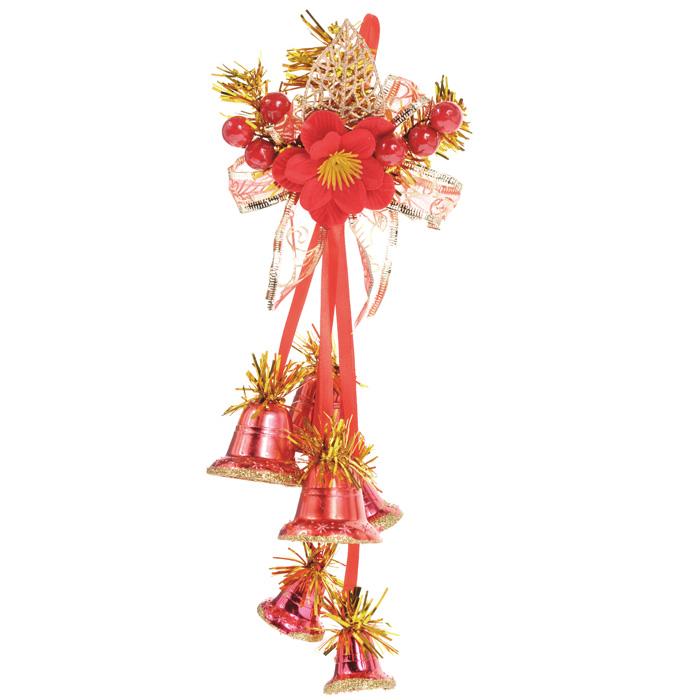 Новогоднее подвесное украшение Колокольчики, цвет: красный. 3073230732Новогоднее украшение Колокольчики отлично подойдет для декорации вашего дома и новогодней ели. Игрушка выполнена в виде связки на декоративной ленте из шести пластиковых колокольчиков различных размеров. Связка украшена декоративным элементом в виде цветка с золотистым листком, ветками с ягодами и текстильным бантом с мишурой. Колокольчики украшены мишурой и золотой каймой по краю. Украшение оснащено специальной текстильной петелькой для подвешивания. Елочная игрушка - символ Нового года. Она несет в себе волшебство и красоту праздника. Создайте в своем доме атмосферу веселья и радости, украшая всей семьей новогоднюю елку нарядными игрушками, которые будут из года в год накапливать теплоту воспоминаний.