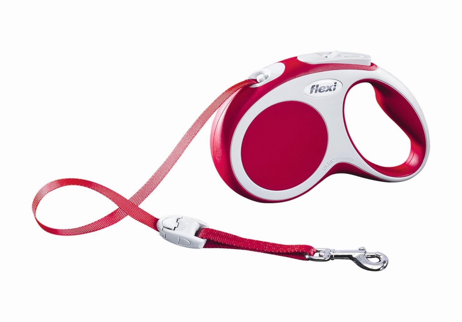 Поводок-рулетка Flexi Vario Compact S для собак до 15 кг, цвет: красный, 5 м019917Поводок-рулетка Flexi Vario Compact S изготовлен из пластика и нейлона. Ленточный поводок обеспечивает каждой собаке свободу движения, что идет на пользу здоровью и радует вашего четвероногого друга. Рулетка очень проста в использовании, оснащена кнопками кратковременной и постоянной фиксации. Ее можно оснастить - мультибоксом для лакомств или пакетиков для сбора фекалий, LED подсветкой корпуса, своркой или ремнем с LED подсветкой. Поводок имеет прочный корпус, хромированную застежку и светоотражающие элементы. Длина поводка: 5 м. Максимальная нагрузка: 15 кг. Товар сертифицирован.