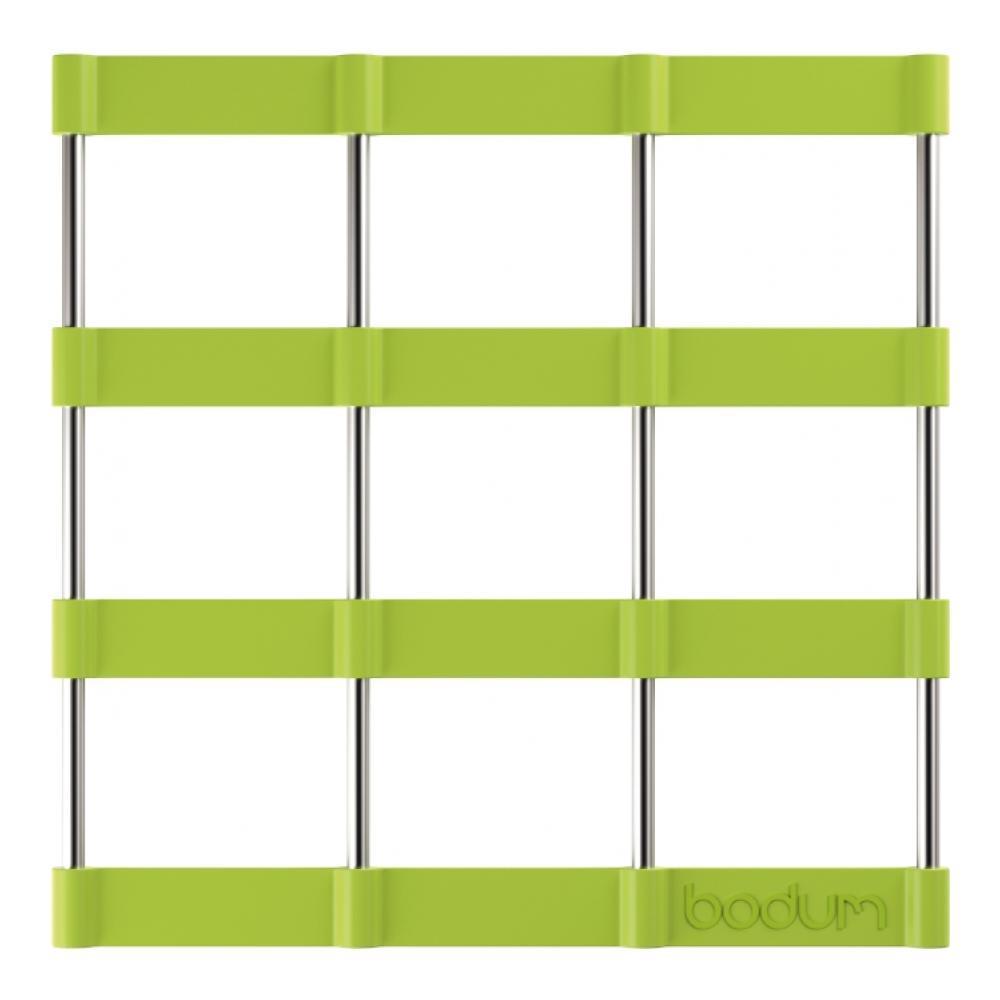Подставка под горячее Bodum Bistro, цвет: зеленый, 17,5 см х 17,5 см11553-Подставка под горячее Bodum Bistro, выполненная из силикона и нержавеющей стали, идеально впишется в интерьер современной кухни. Силикон не даст подставке скользить по поверхности стола. Простые геометрические формы можно использовать в дизайне самых разнообразных предметов, получая не только красивую, но еще и функциональную вещь! Подставка под горячее, имеющая вид соединенных вместе стальных прутьев и силиконовых лент в форме квадратов, превосходно впишется в интерьер современной кухни и дополнит набор кухонной утвари. Каждая хозяйка знает, что подставка под горячее - это незаменимый и очень полезный аксессуар на каждой кухне. Ваш стол будет не только украшен оригинальной подставкой, но и сбережен от воздействия высоких температур ваших кулинарных шедевров. Можно использовать в посудомоечных машинах. Не обрабатывать абразивными моющими средствами.