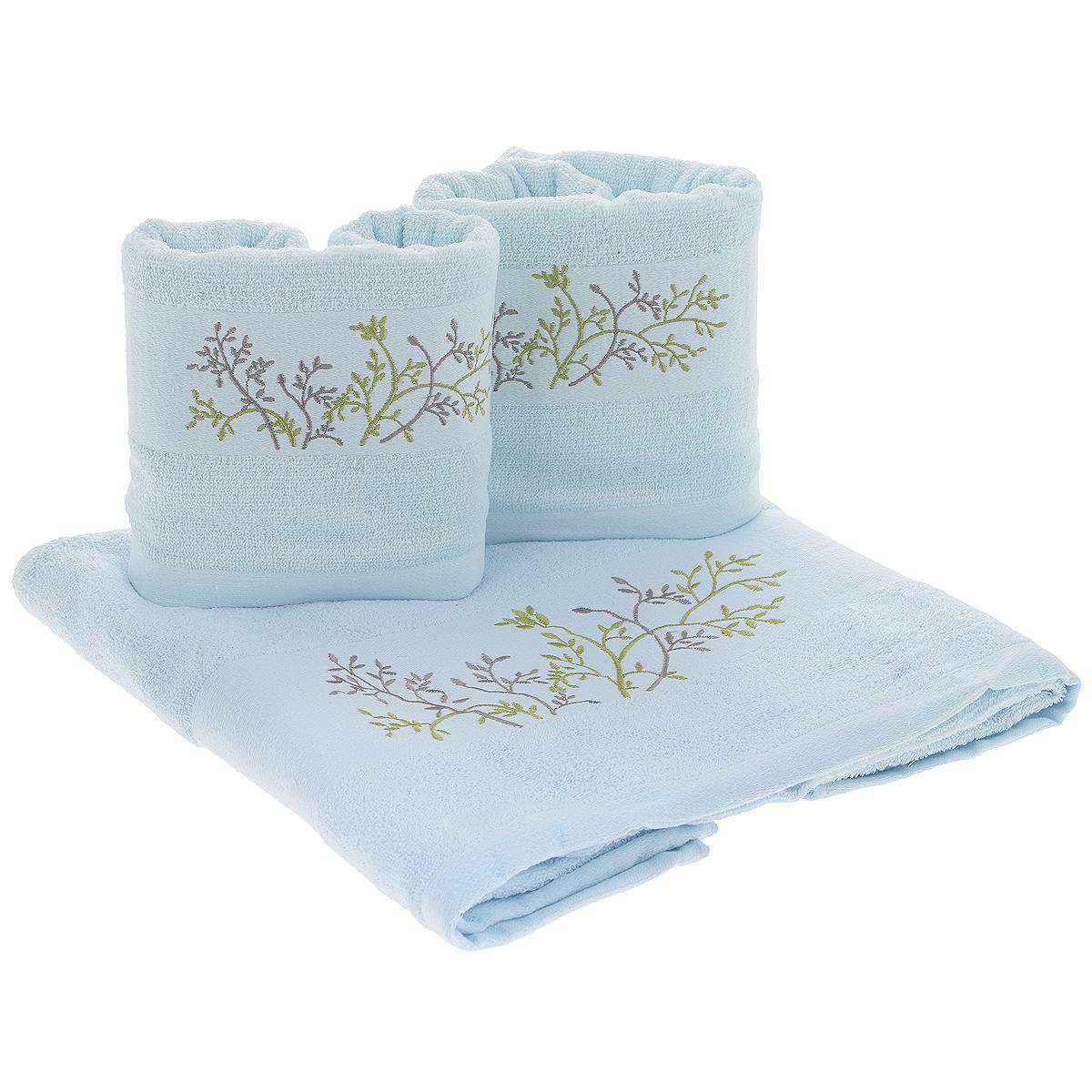 Набор махровых полотенец Растительный узор, цвет: голубой, 3 штBailixin9Набор Растительный узор состоит из трех полотенец разного размера, выполненных из натуральной махровой ткани. Полотенца украшены изящной вышивкой в виде веток с листьями. Мягкие и уютные, они прекрасно впитывают влагу и легко стираются. Такой набор подарит массу положительных эмоций и приятных ощущений. Рекомендации по уходу: - не следует стирать вместе с изделиями из полиэстра или другого синтетического материала, - стирать при температуре 40-50°С, - не рекомендуется отбеливать, - сушить в деликатном режиме.