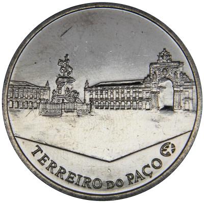 Монета номиналом 2,5 евро Архитектурное наследие - площадь Терейру ду Пасу. Португалия, 2010 год656Монета номиналом 2,5 евро Архитектурное наследие - площадь Терейру ду Пасу. Португалия, 2010 год Металл: Cu-Ni Диаметр: 28 мм Масса: 10,0 г Состояние: UNC (без обращения).